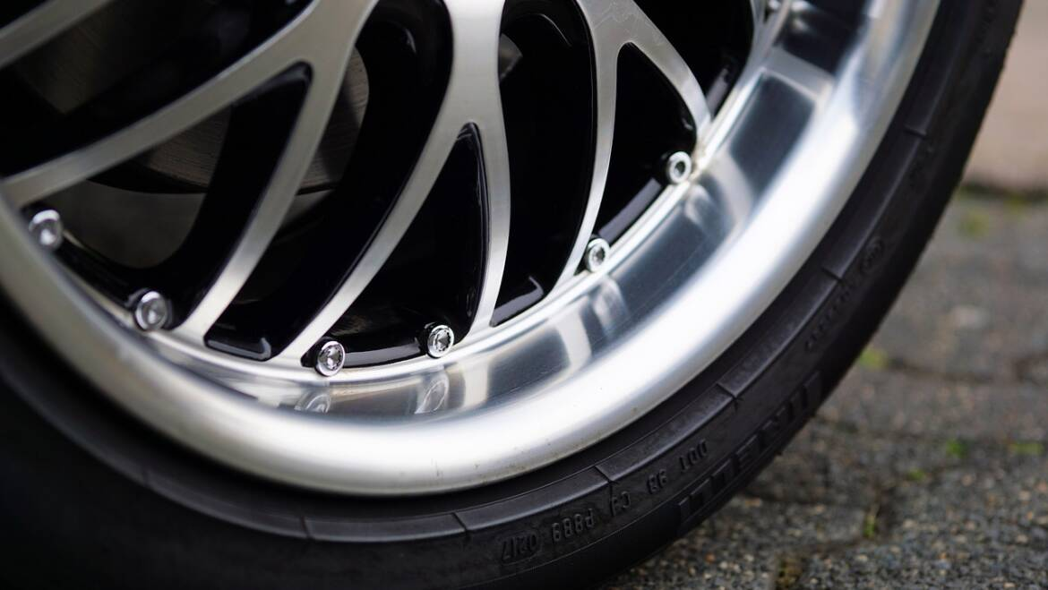 Top 4 Reasons to Try Alloy Wheel Refurbishment For Your Car
